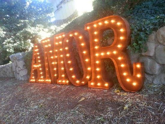 letras luminosas boda amor