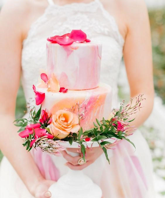 Déjate endulzar con la nueva tendencia en tartas de boda: las 'Marble Cake'